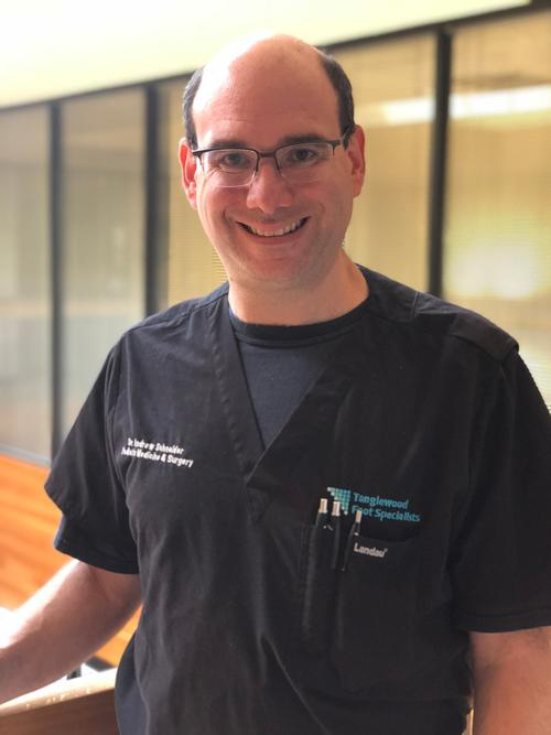 thumbnail image of Dr. Andrew Schneider